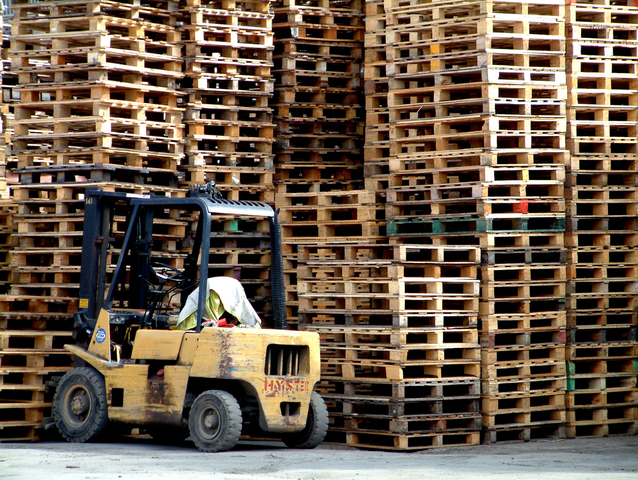crates-and-forklife-1463090-638x479-2